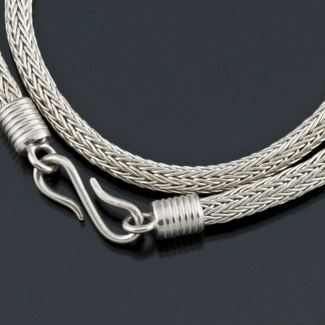 24g fine silver woven chain detail
